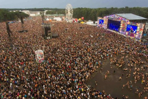 wood 520x346 - Dlaczego zmieniono nazwę festiwalu Woodstock?